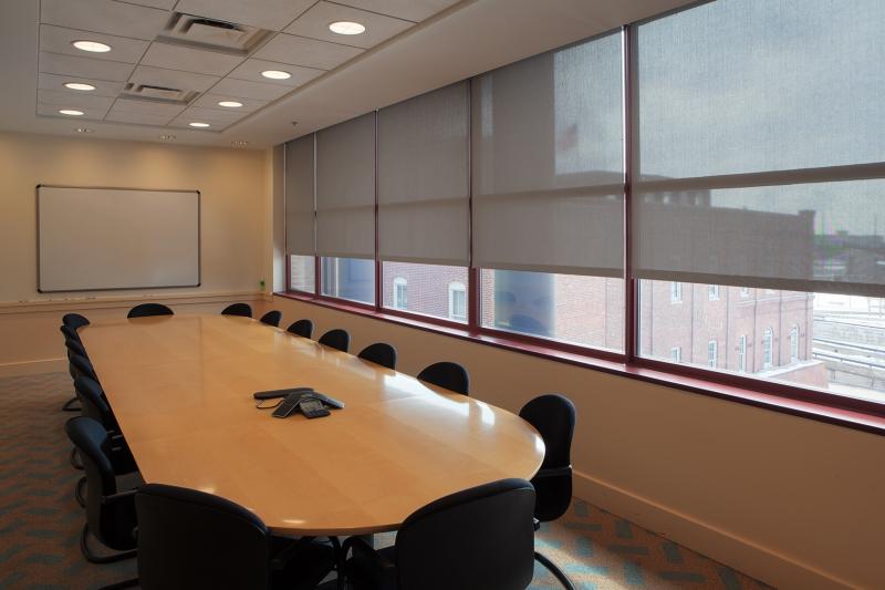 manualshades_ncaa_conferenceroom