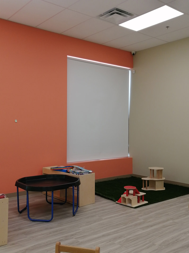 Day-Care-Roller-Shades